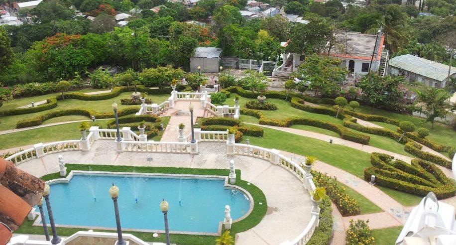El Castillo Serrallés es una de las estructuras más emblemáticas de Ponce.