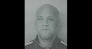 Carlos Rodríguez Tirado enfrenta cargos por asesinato en primer grado y violación a la Ley de Armas tras alegadamente tirotear a un hombre en San Germán.
