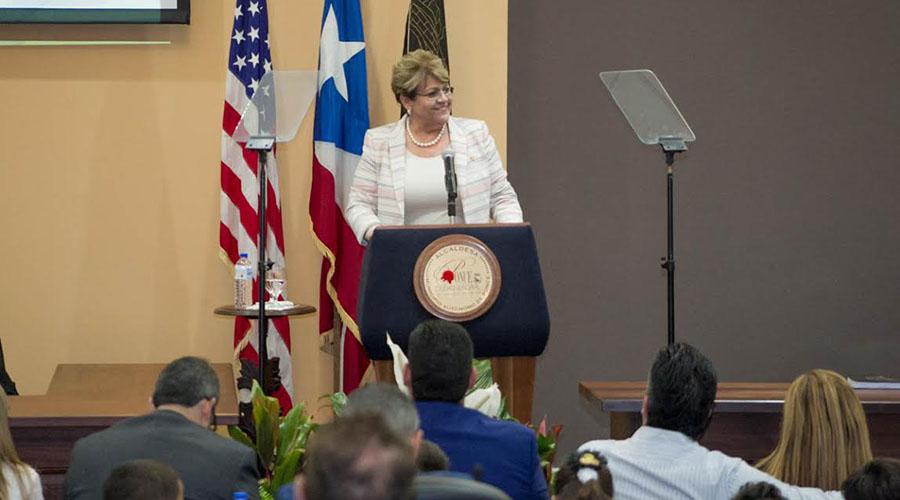 La alcaldesa de Ponce, María Meléndez Altieri, durante su mensaje de presupuesto 2017-2018. (Suministrada)