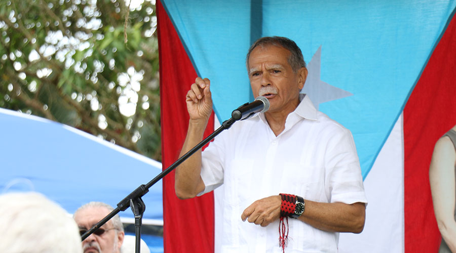 Oscar López Rivera fue el orador principal del acto de recordación de los asesinatos del Cerro Maravilla. (Voces del Sur)