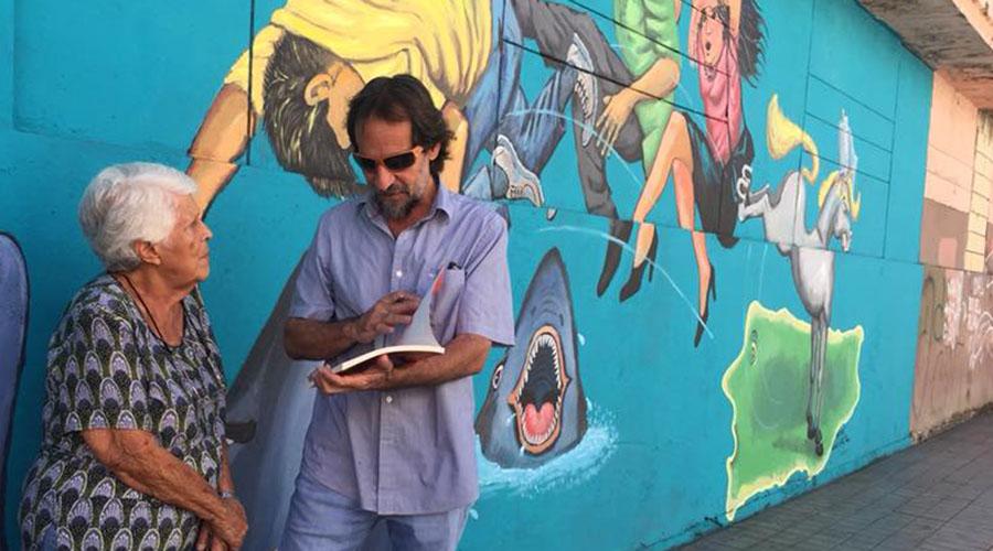 El mural Hechos, de Jesús Ortiz Torres, está ubicado en el callejón Comercio en Ponce. (Facebook / Vivien Mattei Colón)