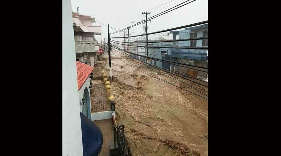 El Río Guayanilla provocó dos inundaciones severas por todo el casco urbano durante el paso del huracán María en septiembre de 2017. (Suministrada)