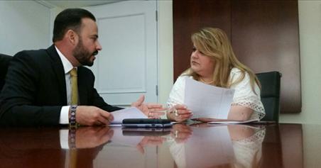 El alcalde de Villalba, Luis Javier Hernández Ortiz, presentó varios proyectos a la comisionada residente de Puerto Rico en Washington D.C., Jenniffer González Colón.