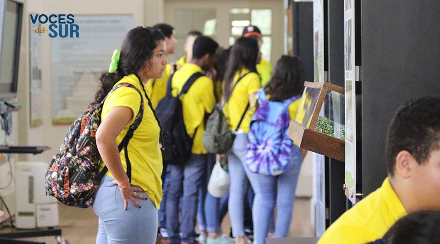 Como parte de la visita, los estudiantes tuvieron la oportunidad de inspeccionar el Centro de Visitantes de la reserva Reserva Natural de Investigación Estuarina de Bahía de Jobos.