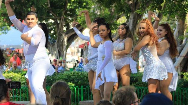 Los pasajeros del Serenade of the Seas disfrutaron de varios actos musicales y bailes.