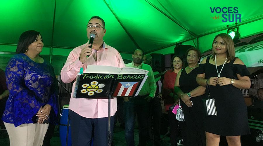 Sanery del Mar Santos Sánchez recibió el reconocimiento durante el Juana Díaz Culinary Fest. (Voces del Sur / Michelle Estrada Torres)