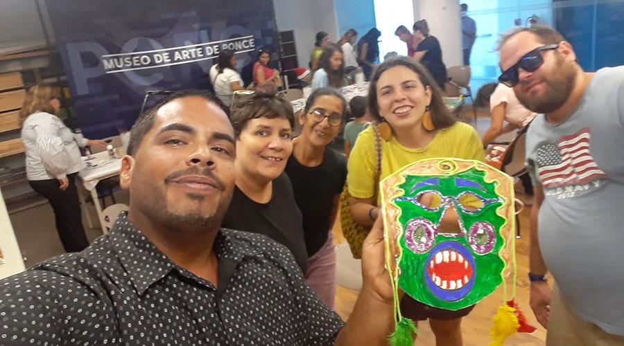 Valerie Ann Almodóvar Ojeda y su novio Osvaldo Antommattei (derecha) en el Museo de Arte de Ponce el domingo, 16 de diciembre de 2018. (Facebook / Roberto Rivera Hernández)