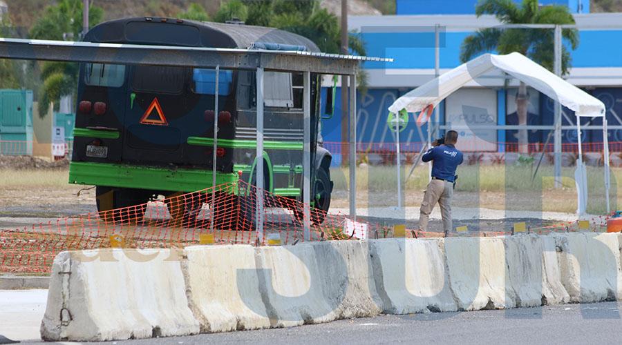 Food truck Tripletas Express en Santa Isabel. (Voces del Sur / Michelle Estrada Torres)