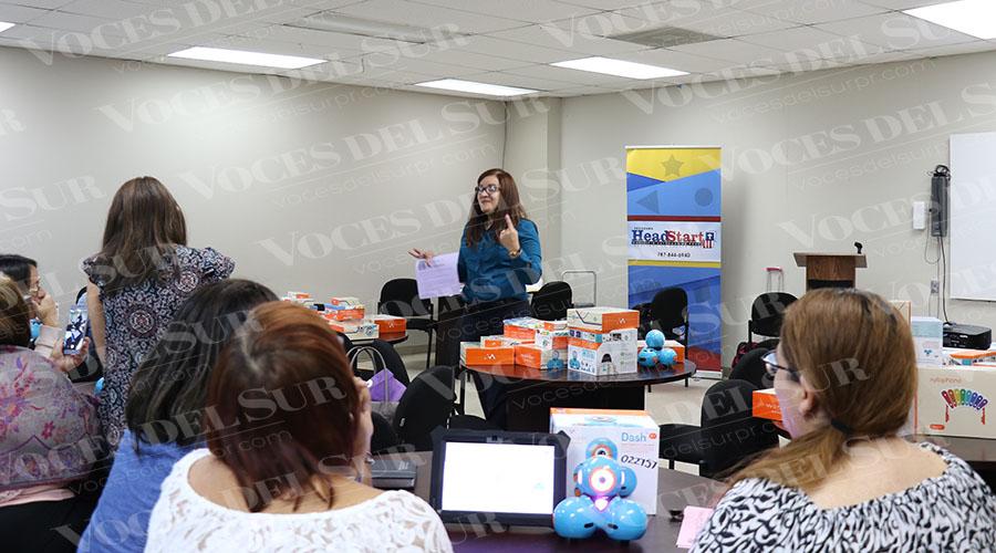 Personal de ED Group ofreció un taller a los maestros del Programa Head Start de Ponce. Personal de ED Group ofreció un taller a los maestros del Programa Head Start de Ponce.