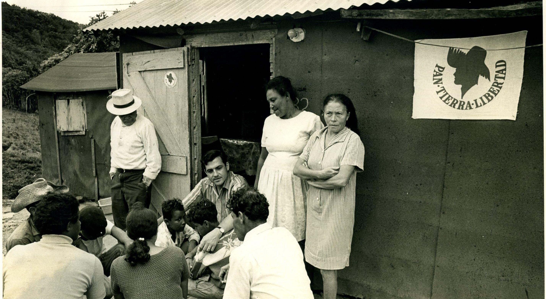 En 1972, Rafael Hernández Colón realizó campaña política por los pueblos. (Suministrada)