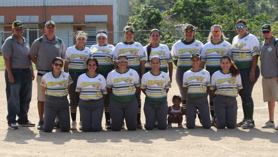 Integrantes de la Jueyeras de Maunabo.