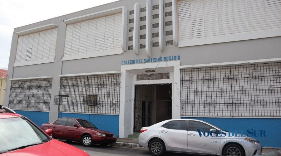 Daños provocados por la actividad sísmica al Colegio Santísimo Rosario en Yauco. (Voces del Sur/ Sara R. Marrero Cabán)