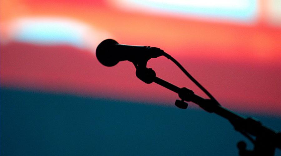 Micrófono abierto. (Flickr / Ian Muttoo)